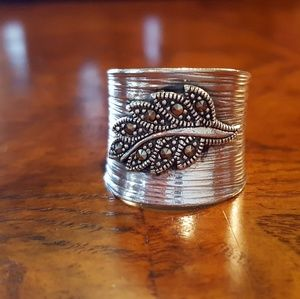925 Sterling Silver Marcasite Leaf Ring 7